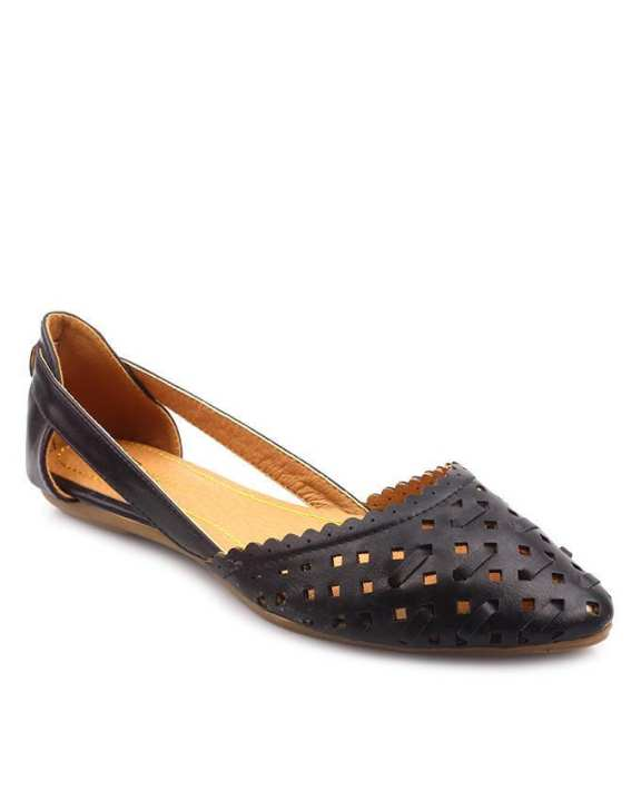 Black Synthetic Leather Nancy Pumps For Women