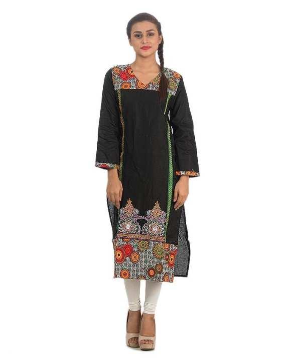 Women Kurta in Printed & Soild Fabric Combination & Embriodery