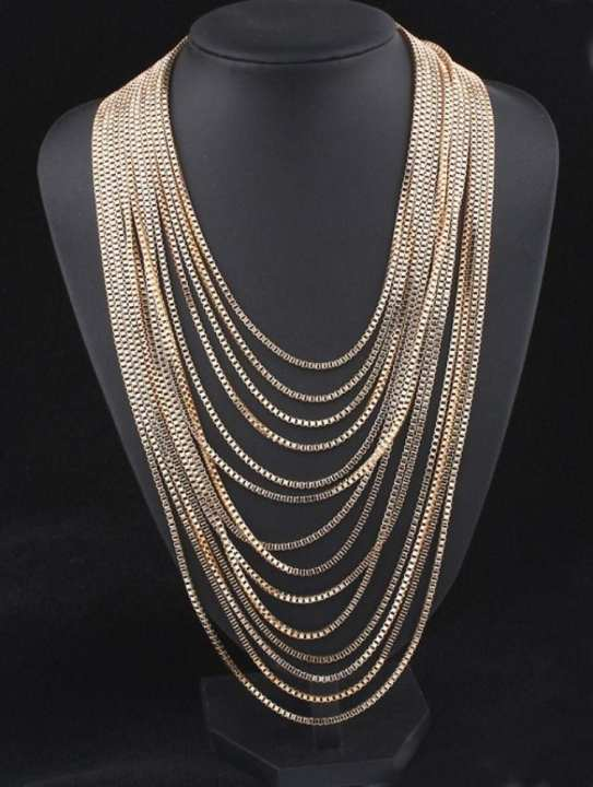 NéonKrallık The 'It' Girl Factor Layered Necklace (Gold)