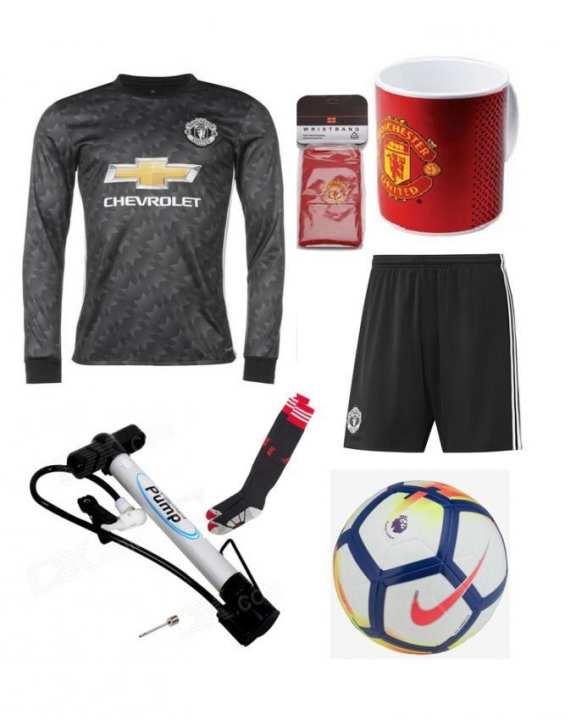 Pack Of 9 Football Kit With Free Football Socks -Medium