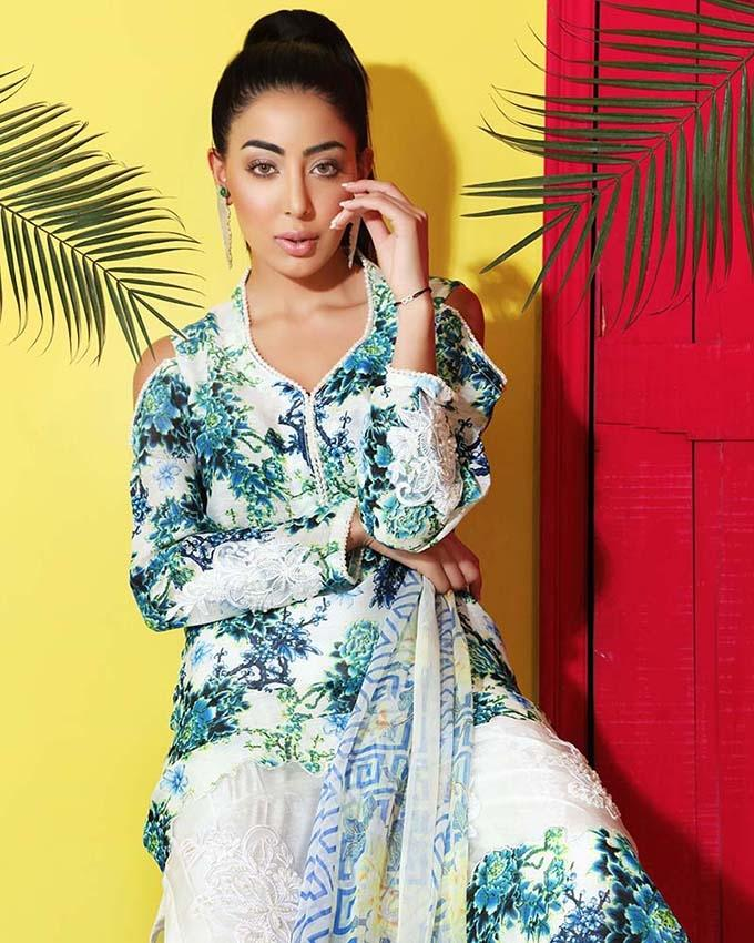 fab6cd8898 Gul Ahmed - White Printed Silk Linen Shirt with Blended dupatta & Pearl  Lace/orgenza