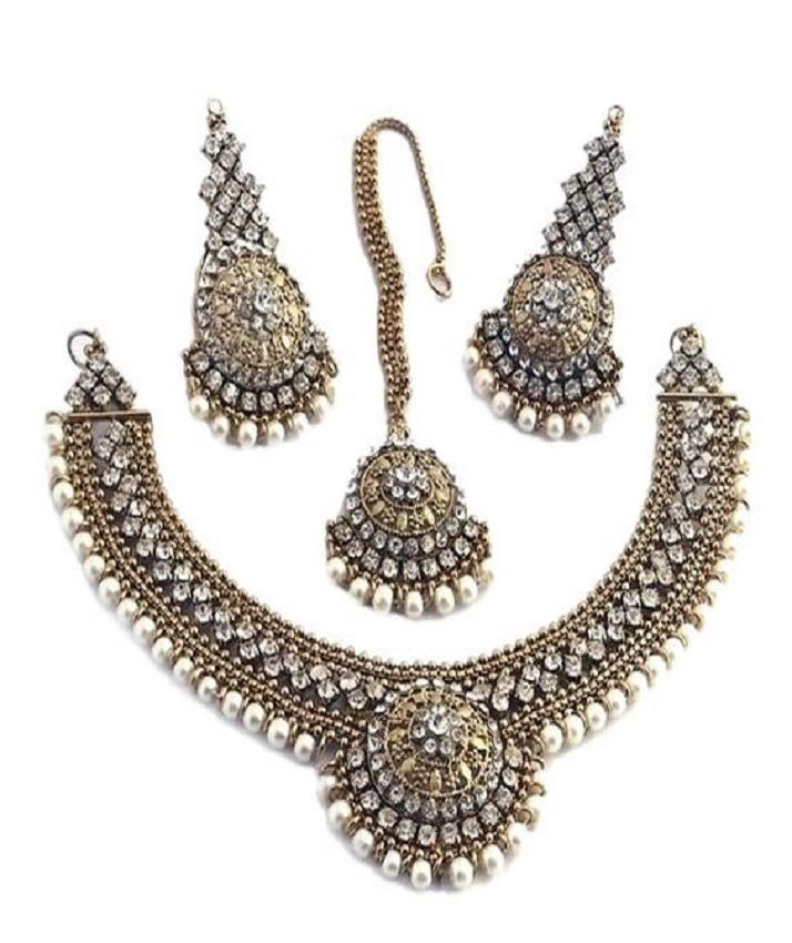 Antique Jewelry Set with pearls