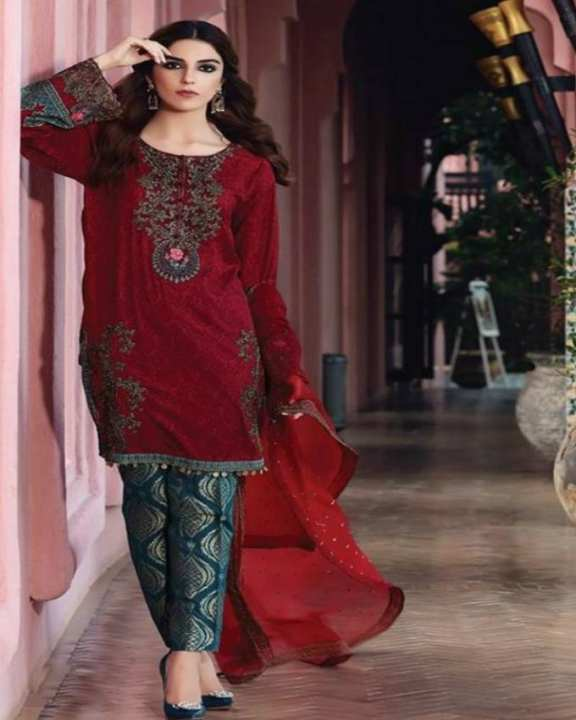Maroon Embroidery and Printed Lawn UnStitched 3 Piece Lawn Suit for Women