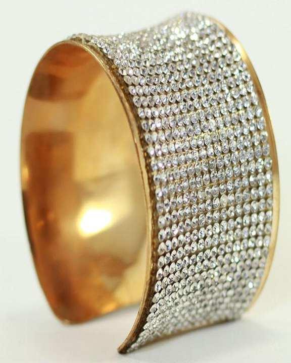 Golden Metal Bangle With Zircon