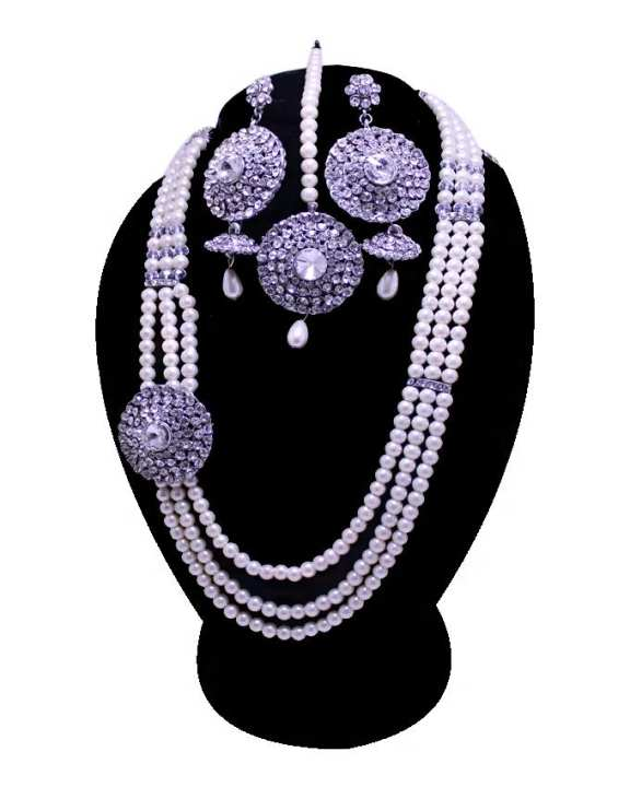 Off White Pearl Beeds & Metal Jewelry Set with Left Round Stone For Women