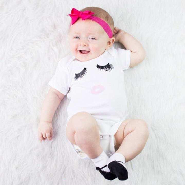 Casual Baby Unisex Eyelash & Red Lips Print Short Sleeve Romper Jumpsuit White