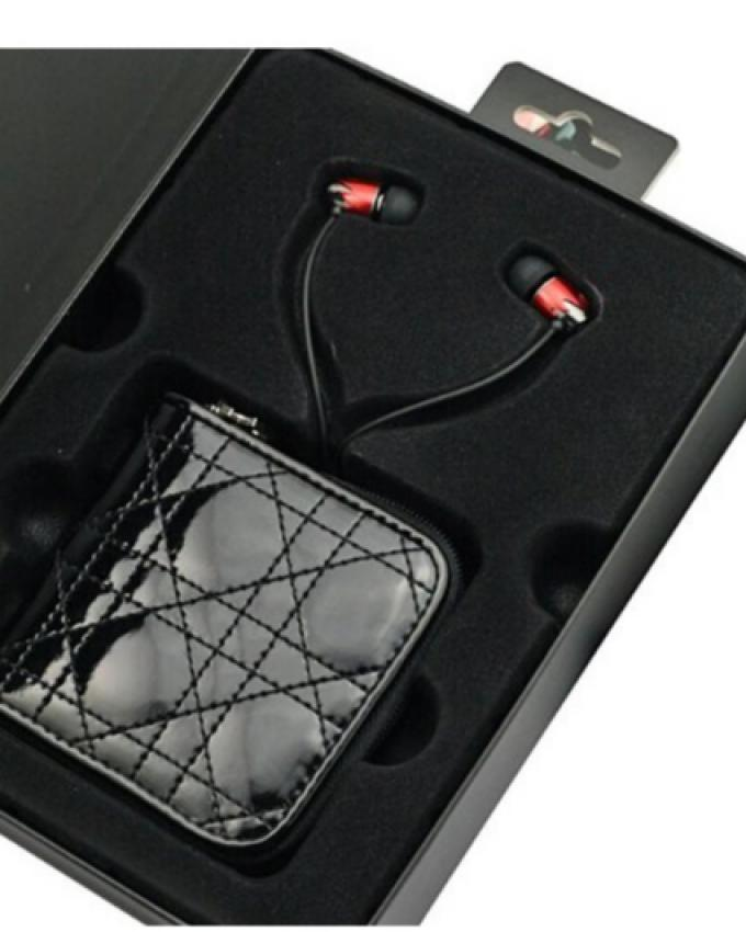DN-16 - Earphones - Black & Red