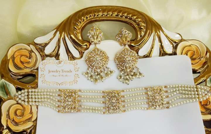 Pearl Stylish Chokkar Set