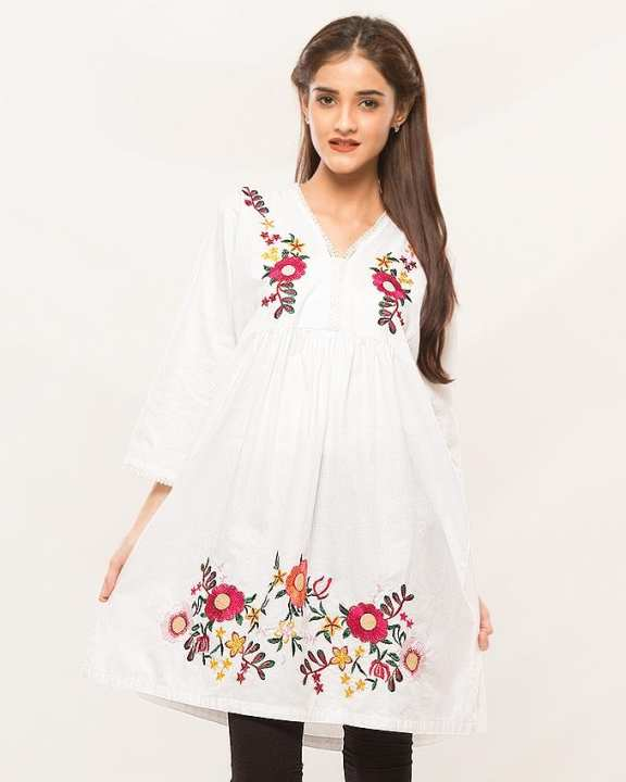 White Flower Embroidery V-neck Traditional Kurti For Women
