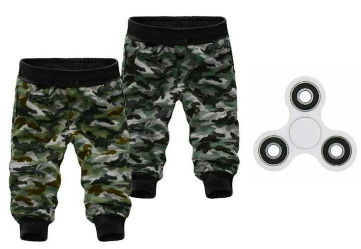 Pack of 2 Army Shorts + Fidget Spinner