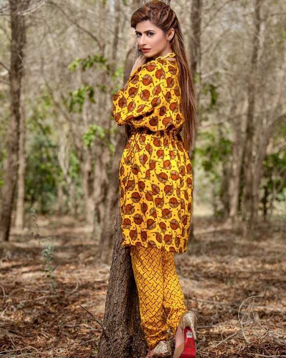 Yellow Un-Stitched Sana Samia Khaddar 2 Pc