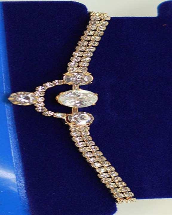 Golden Bracelet With Zircon