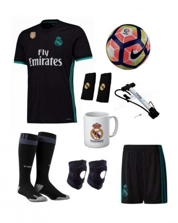 Pack of 9 - Real Madrid Away Kit With Accessories - Large