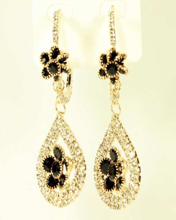 New Stylish Golden Earrings With White & Black Stones for Her
