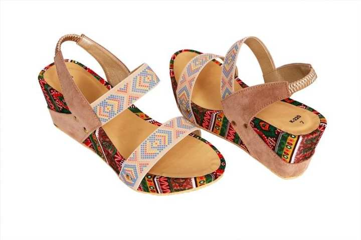 Fawn Wedge heel for her