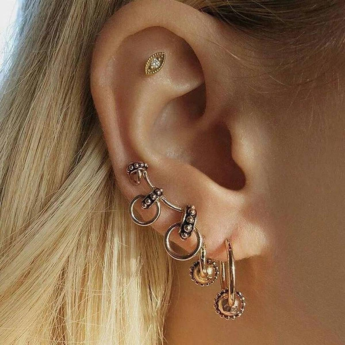 Set of clip and stud earrings - silver