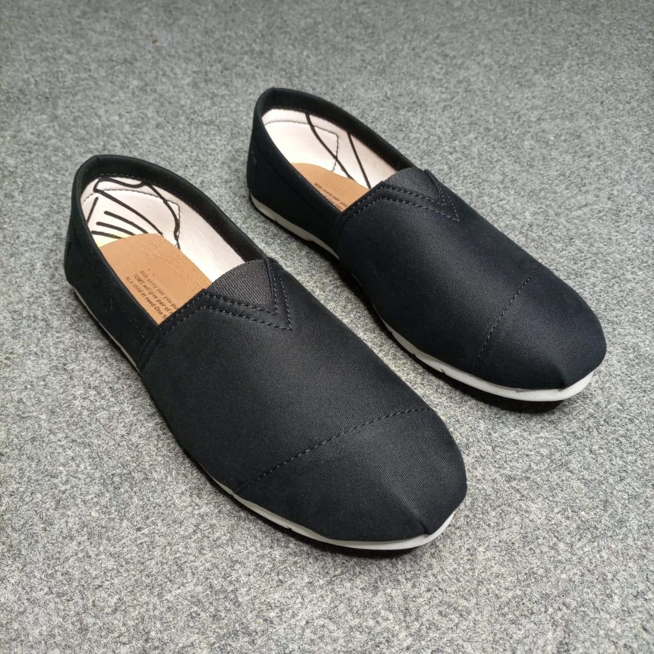 Men's Shoes - black and blue Toms for Men