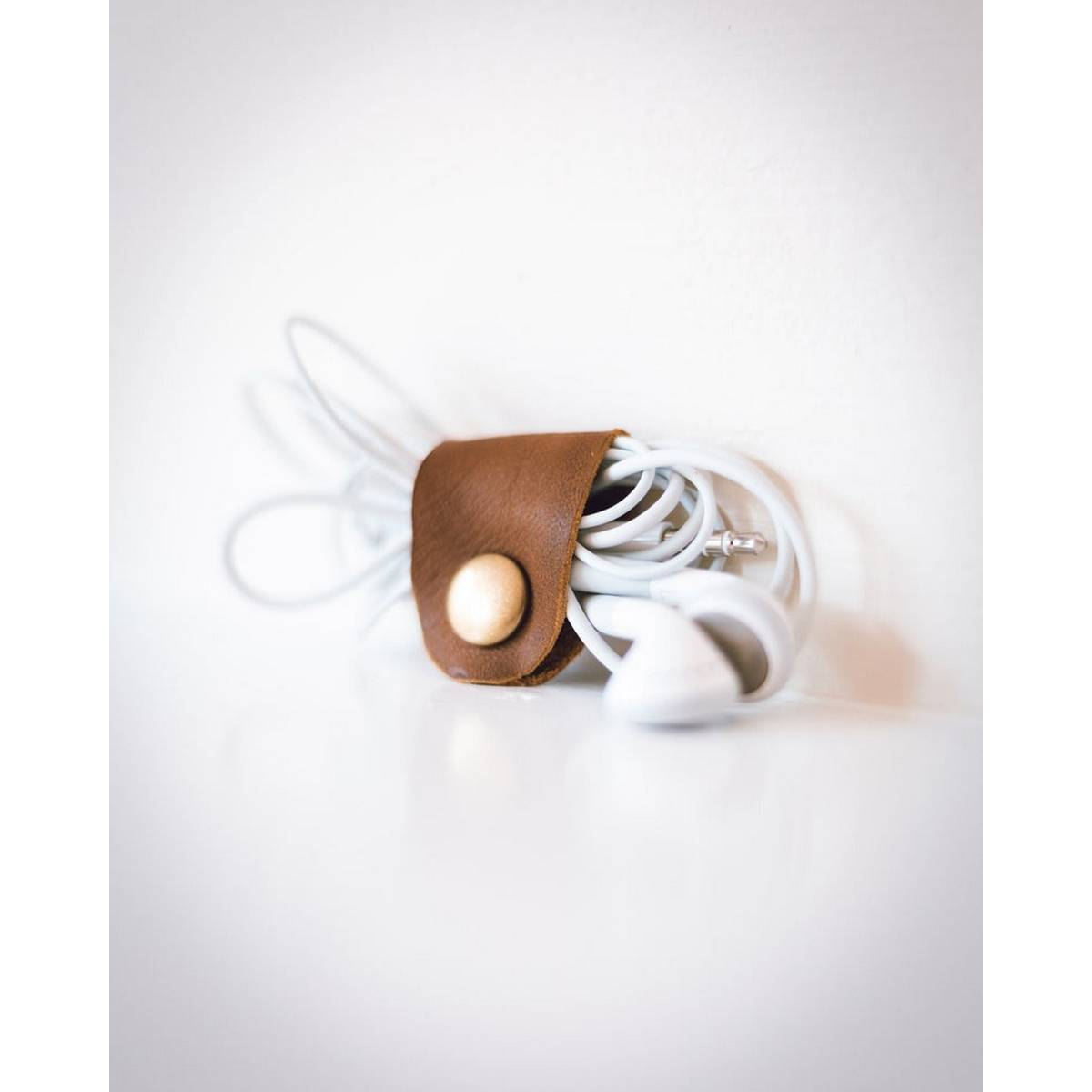 Leather handfree holder Cable organizer with snap Closure - Brown