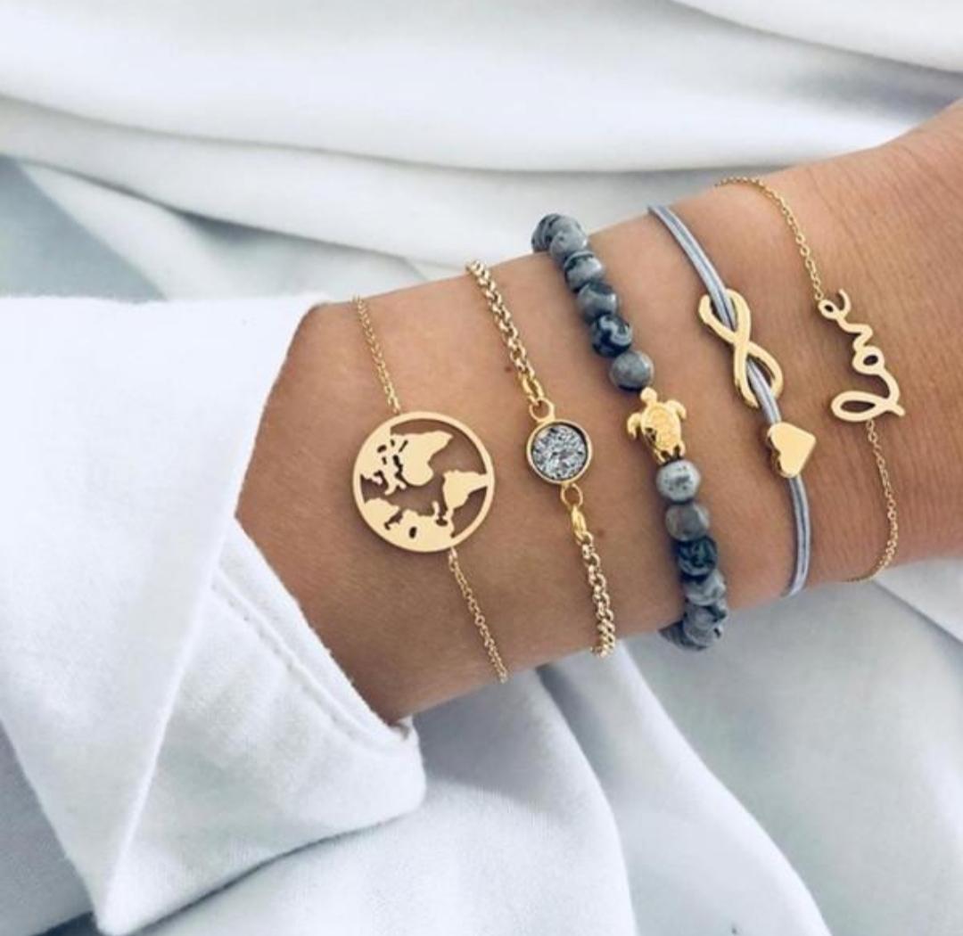 charm bracelete