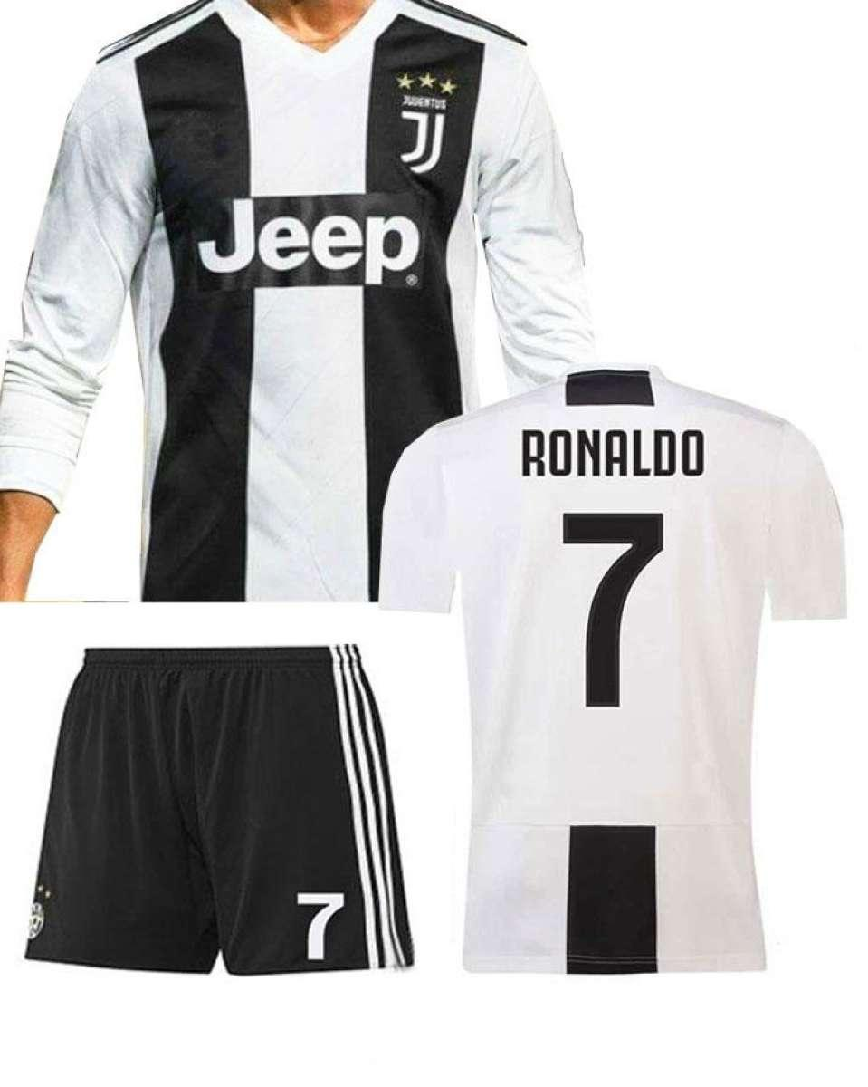 best website 4fec0 ce144 Kids Juventus Cristiano Ronaldo CR7 Home Shirt & Short Kit