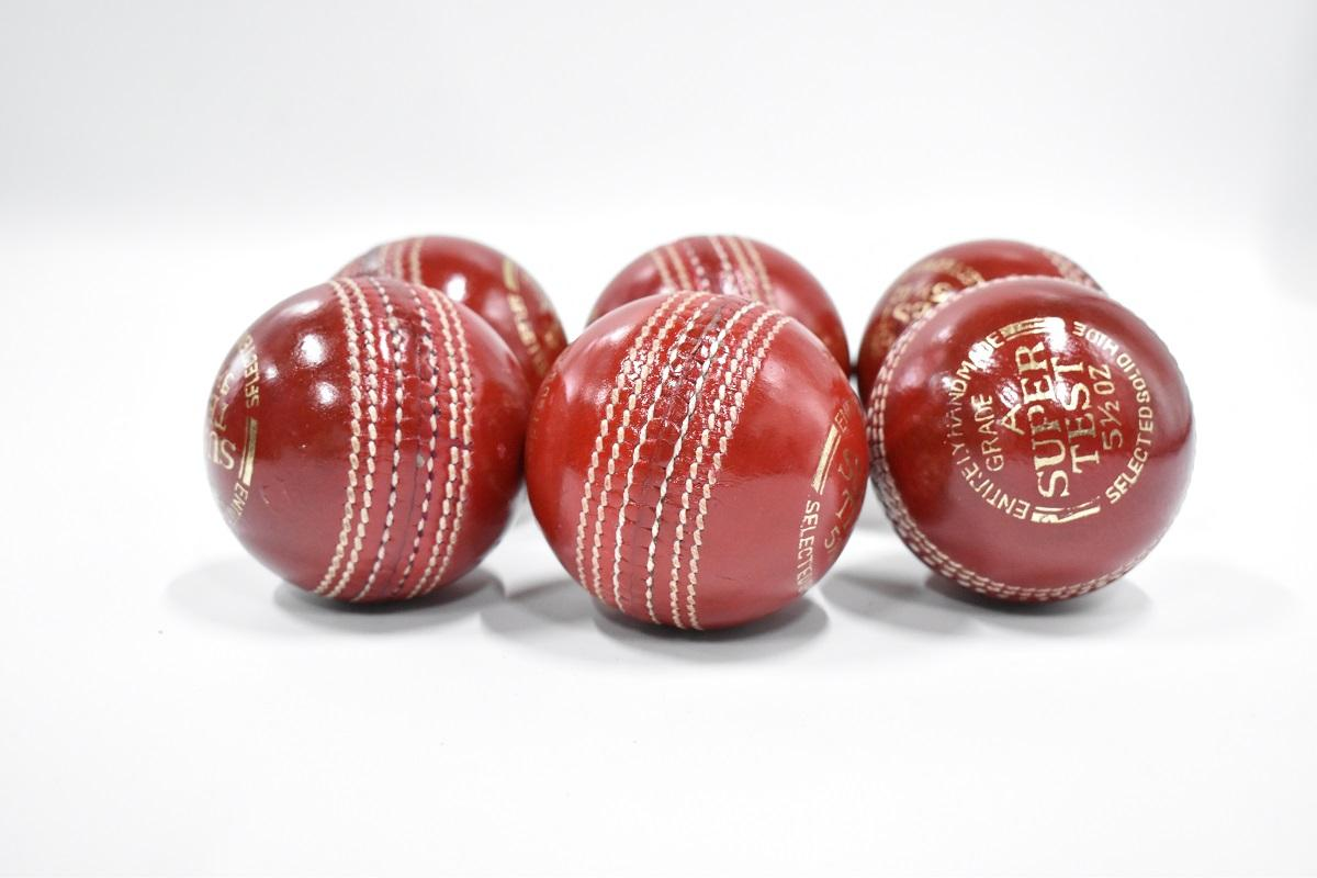 Super Test Cricket Hard Ball Red Pack of 6