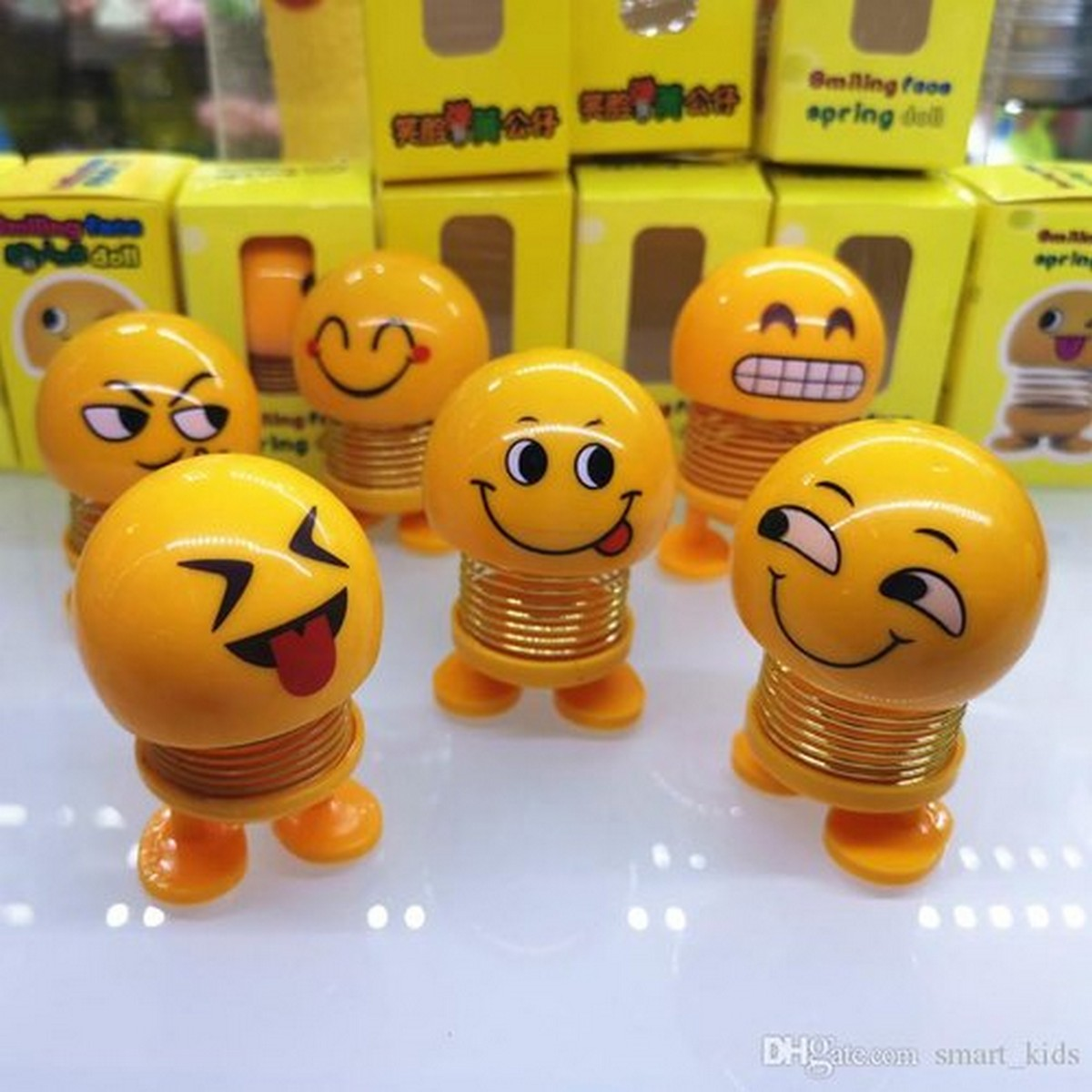 Pack of 6  Big-Size Cute Emojis Face Funny Spring Shaking dancing Head Bouncing Shaking Doll Toys For Car Decorate Dashboard car accessories emoji  in Packs Height of 3 inch each