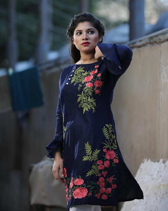 Narmeen Blue Embroidered Kurti National Style Floral Embroidery Lace Up Kurti Cotton Evening Wear