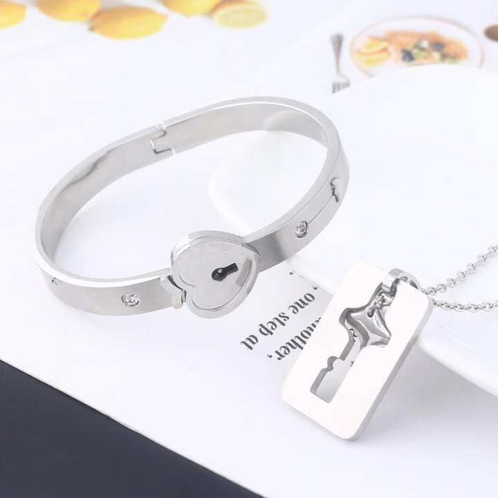 A Couple Lovers Jewelry Love Heart Lock Bracelet Stainless Steel Bracelets Bangles Key Pendant Necklace Jewelry Gift By TWO