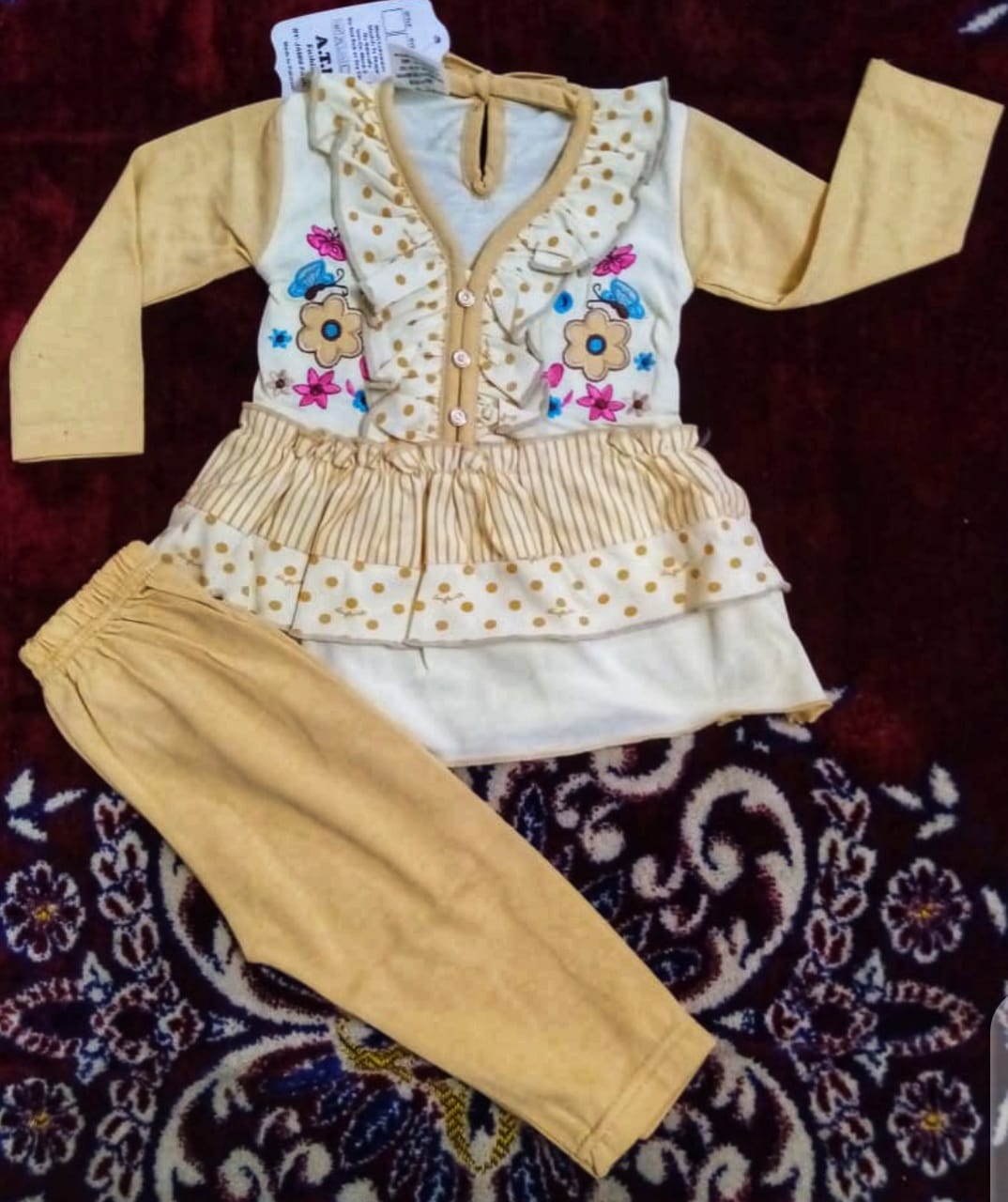Atfaal InterLock Cute Bee Printed and embroidery Designed Full Sleeves Shirt and Trouser Baby Suit 1 To 4 Years Baby Girl