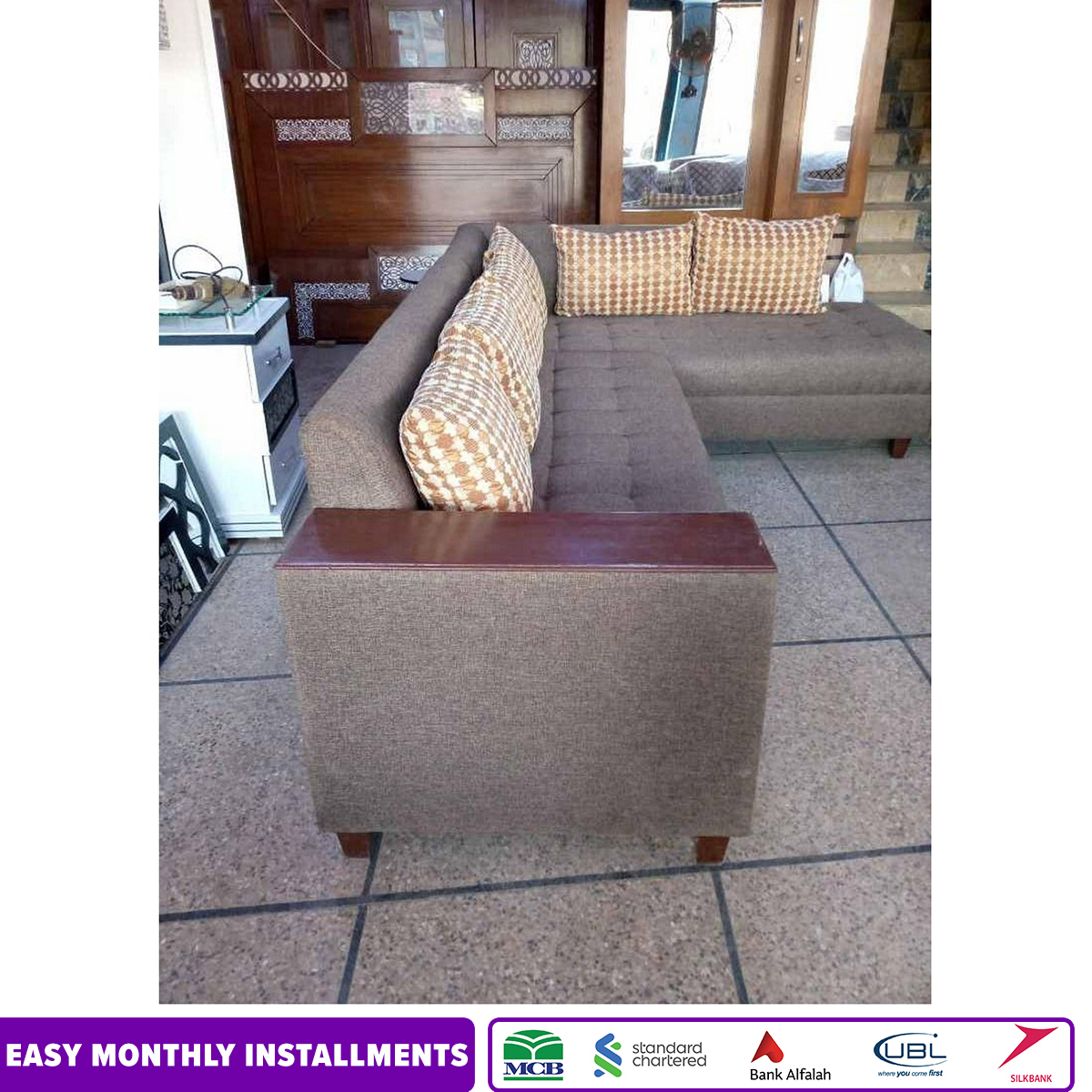 Sultan Furniture's Comfortable 6-Seater Corner Sofa with attached table- Jute Fabric - Brown
