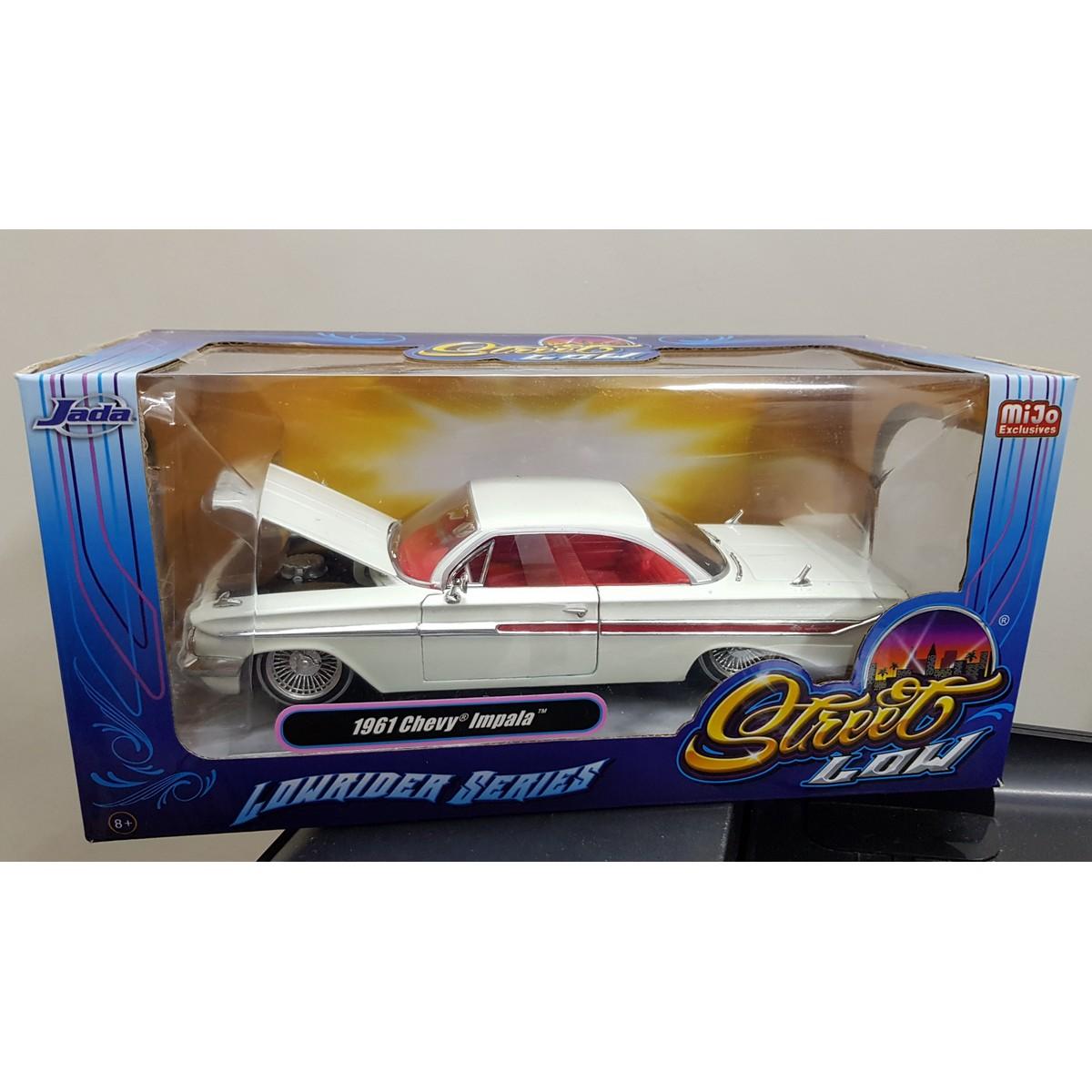 Jada 1961 Chevorlet Impala Diecast White Model