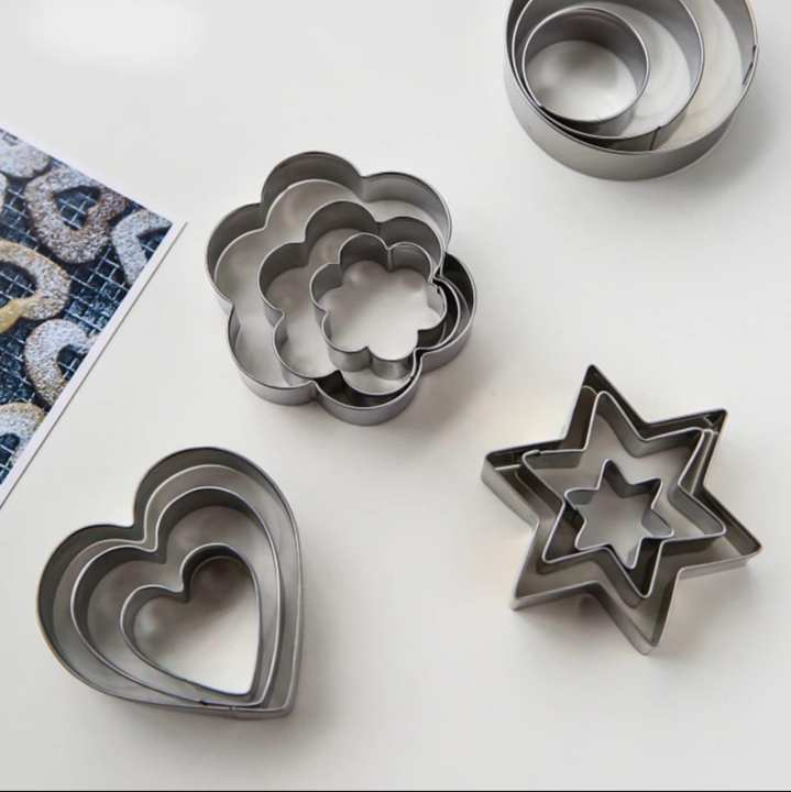 CH Pack Of 12 Cookie Cutter Metal Cake,Fruit Biscuit Cutters Molds Set, Stainless Steel Heart Star Circle Flower Shaped Mould