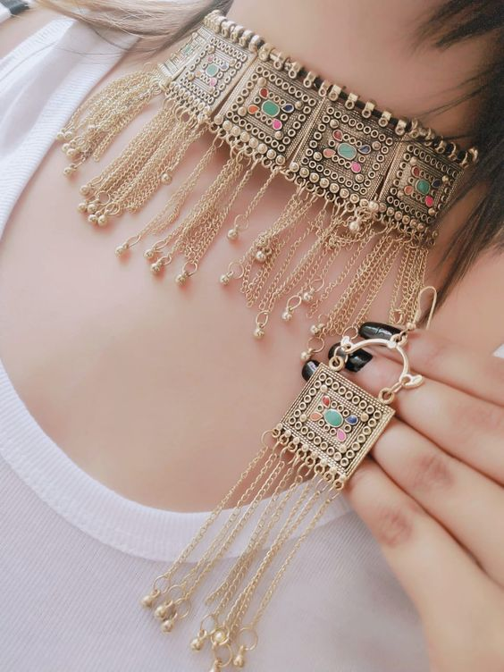 Traditional Choker Necklace And Earrings Set Handmade Antique Shape Golden