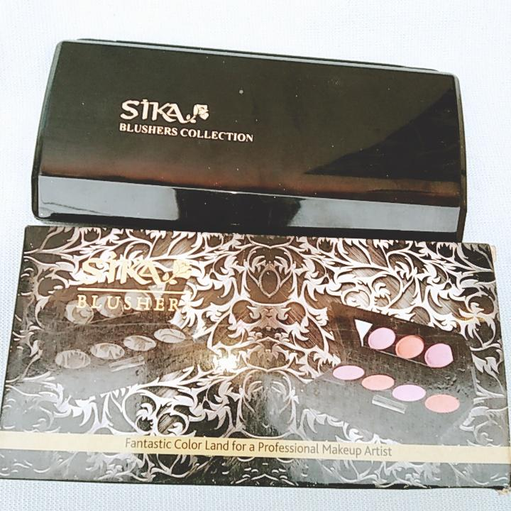 Sika 4 in 1 blusher with shiny shades