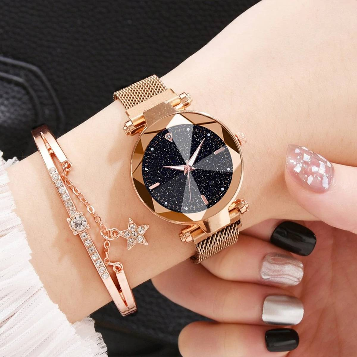AQIMART Magnet Diamond Watch For Women & Girls With Bracelet Amazing Quality Unique Stylish Clock With Free Gift Box
