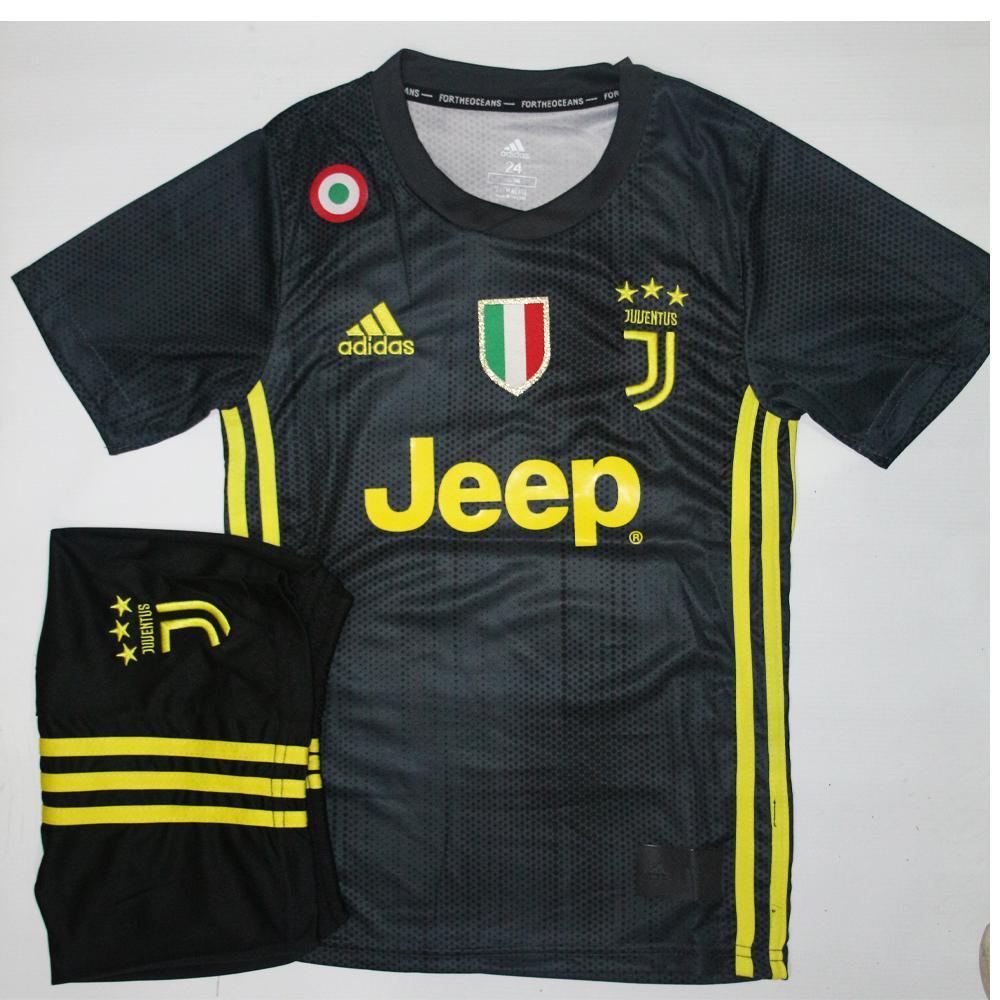 super popular fdf31 7892b Juventus Home Kit 2018/19 - Kids Size
