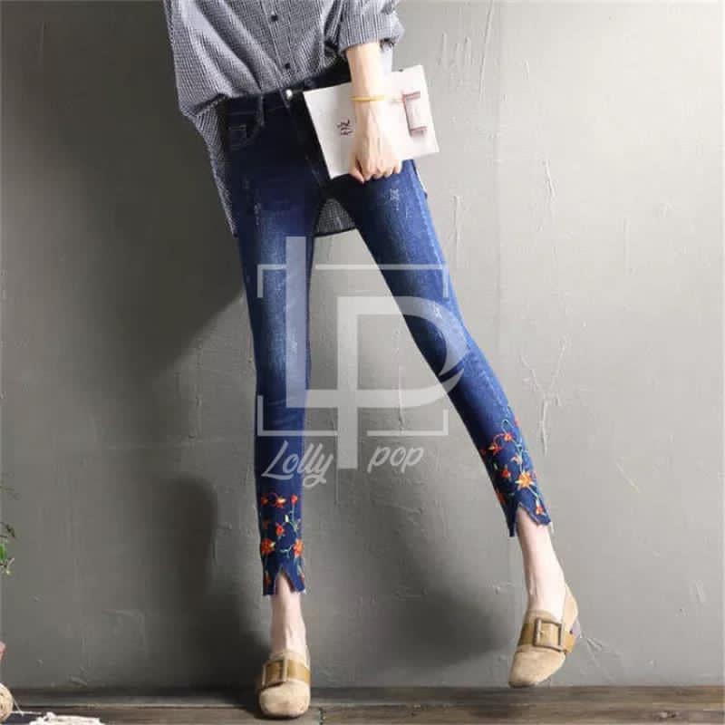 Stylish Blue Denim Jeans Pant For Ladies