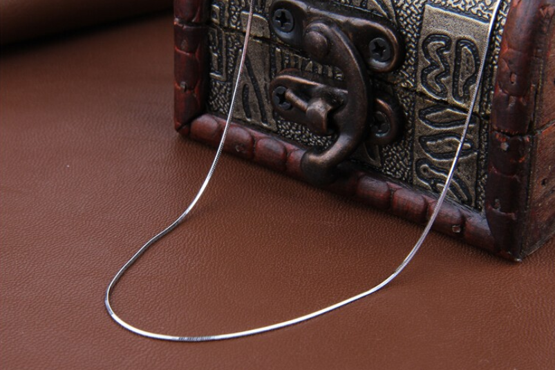 New Style Silver Trendy New Design Neck thin Chain For Men and Women