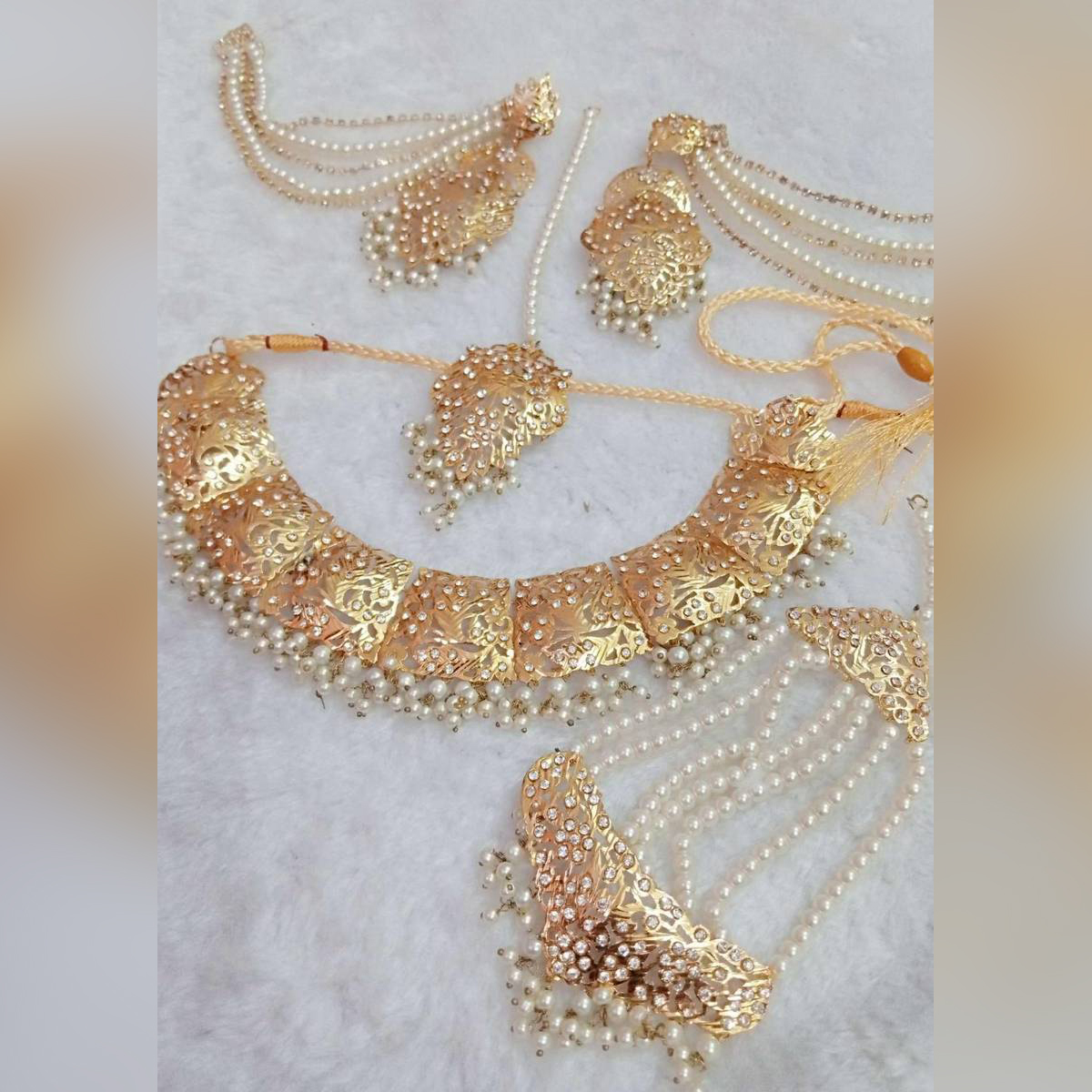 - Set bridal Hyderabadi style gold plated - new look - gold plated  - Long lasting Polish - Famous jewellery - Fashionable design