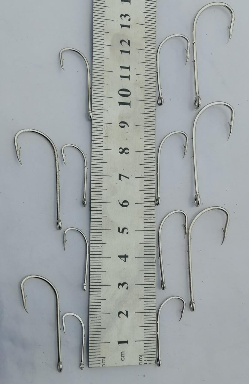 100 Pcs Of 7 Different Size Of Fishing Hooks 1,2,3,4,5,6,9