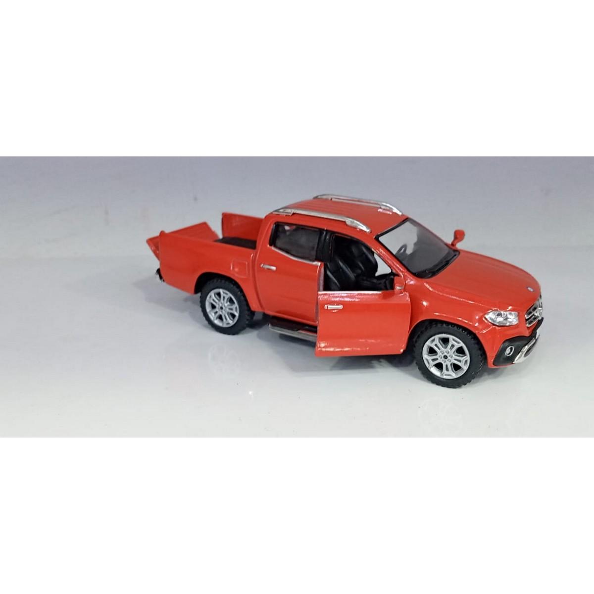 Kinsmart - 1:42 Scale Model Mercedez-Benz X-Class Pickup Diecast Model