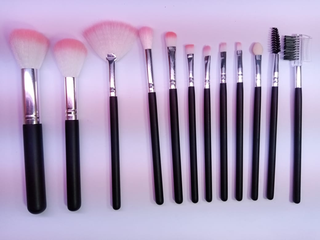 Pack of  Makeup Brushes Set Beautiful & Soft Hair for Ladies & Girls Make up Brushes