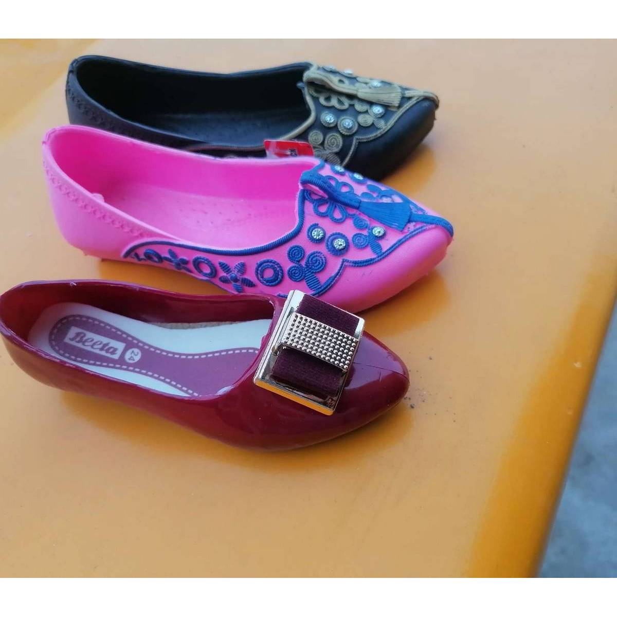 Baby girl fancey shoes pcu