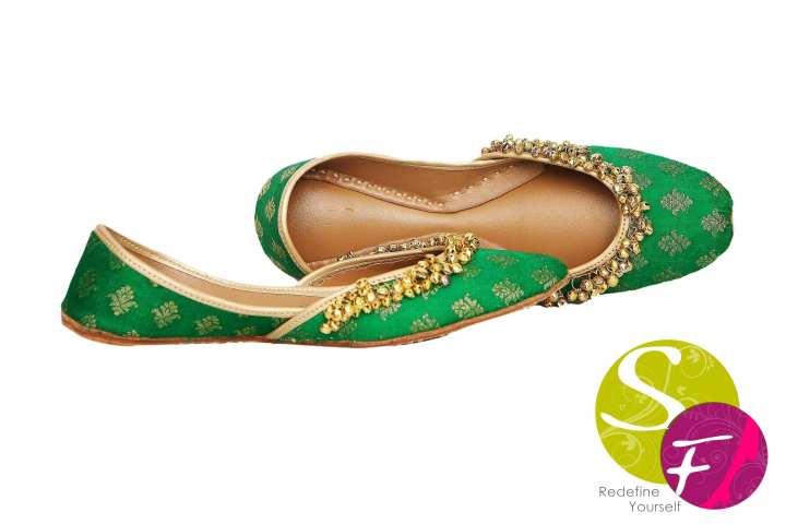 Green banarasi ghungroo khussa