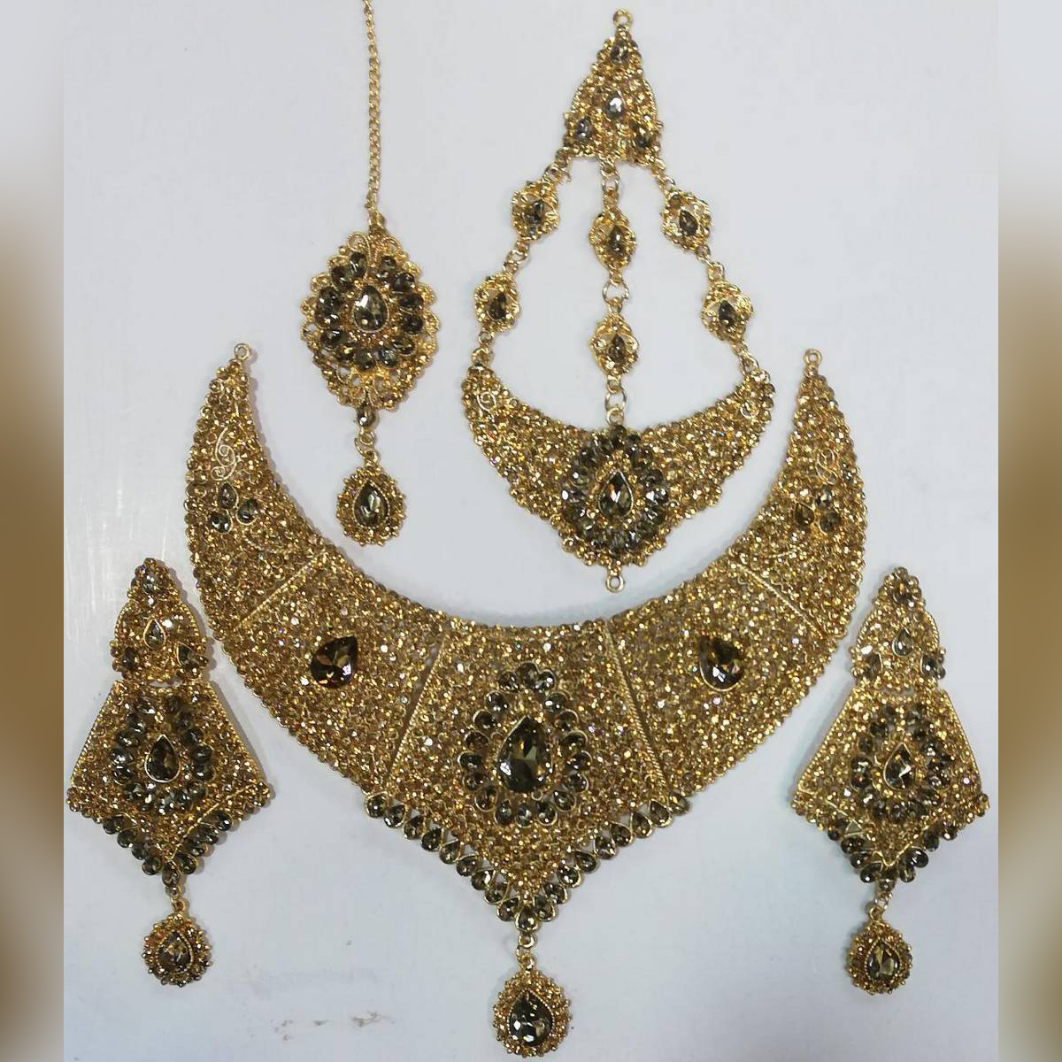 Golden Bridal Set with jhoomer and earrings