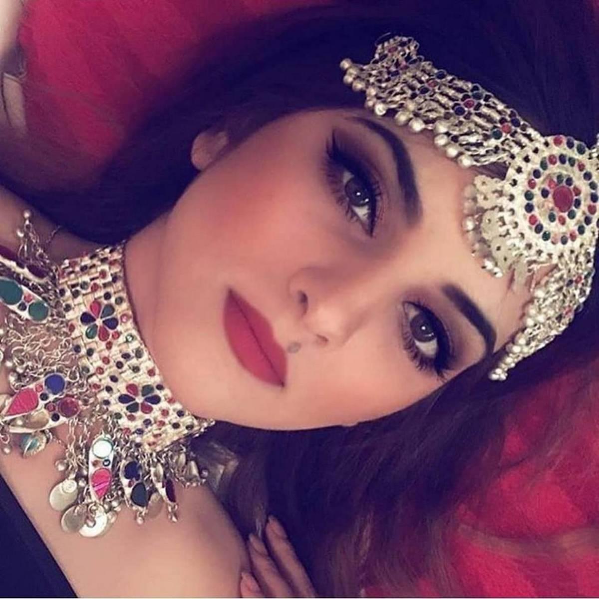 Top Fishion Afghan Full Set Matha Patti, Choker & Earrings for Girls