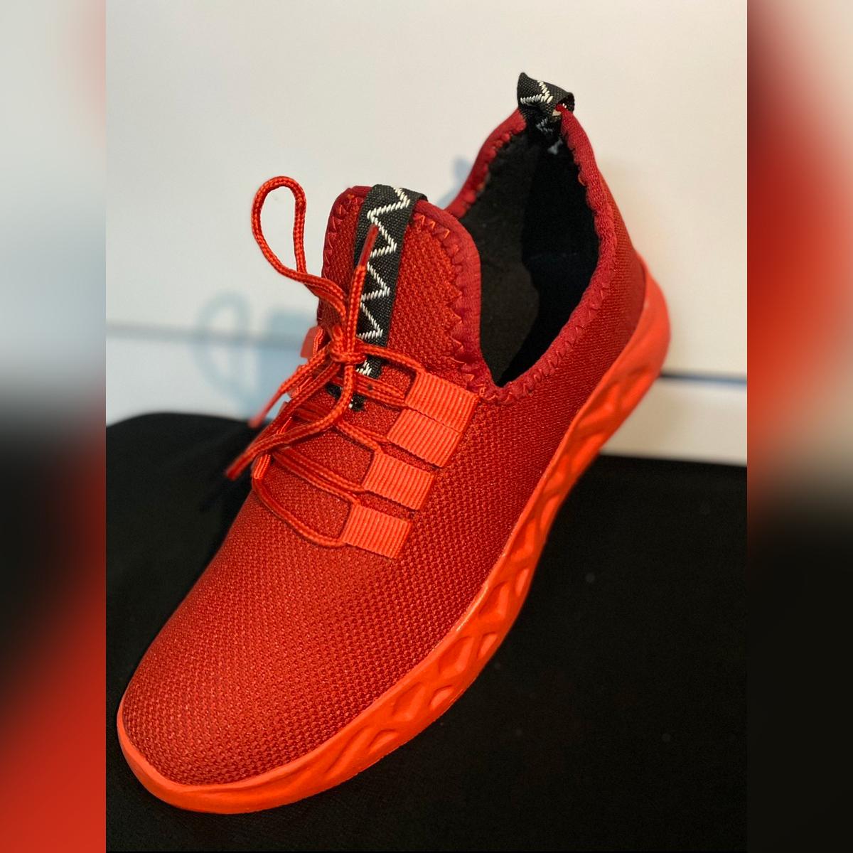 Men casual sneakers