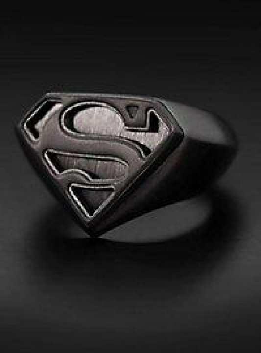 GOLDEN LIGHT Superman Logo Ring black
