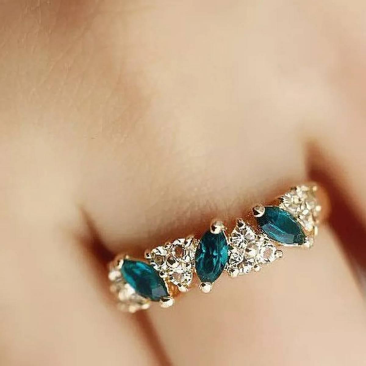 Created Emerald Rings for Women New Classic Jewelry Wedding Engagement Ring Rhinestone Fine Jewellery