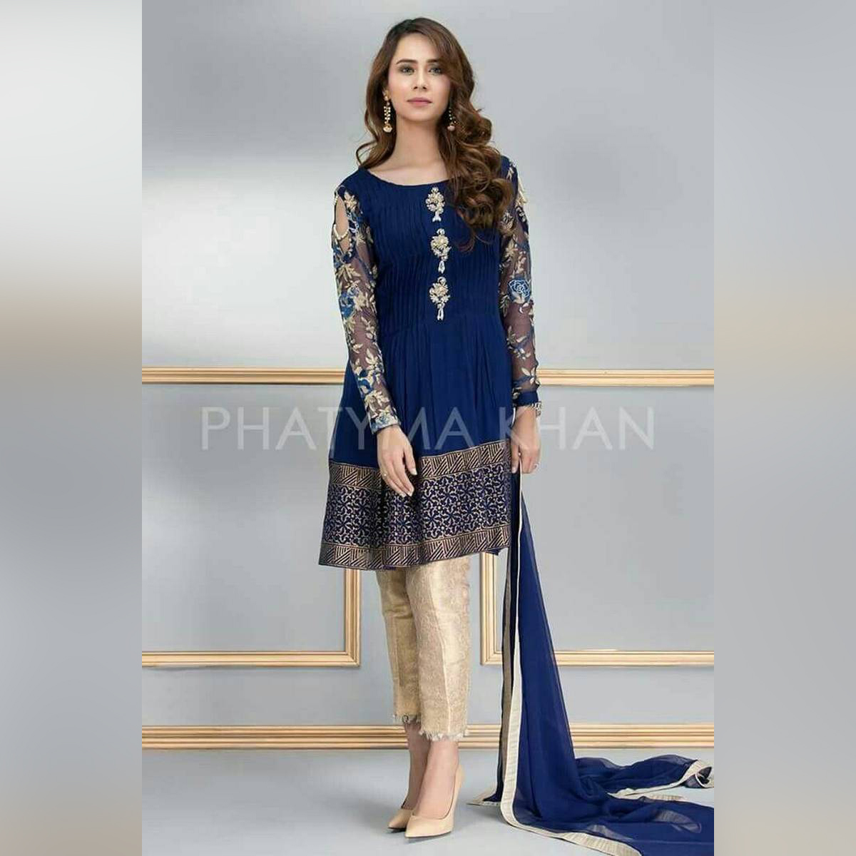 Fine Quality Chiffon with Jamawar  Trouser Front Embroidred Back Embroidered  Sleeves Embroidered Embroidered Neck Dupatta Stone work